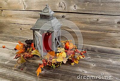lanterna e decorazioni asiatiche su legno invecchiato fotografia stock immagine 41947977. Black Bedroom Furniture Sets. Home Design Ideas