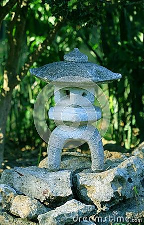 lanterne en pierre japonaise photo libre de droits image 11533055. Black Bedroom Furniture Sets. Home Design Ideas