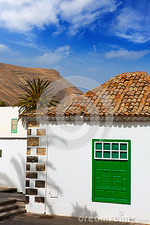 Free Lanzarote Yaiza White Village Houses Green Window Stock Image - 26594781