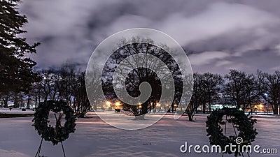 Laps de temps nuageux dans le cimetière banque de vidéos