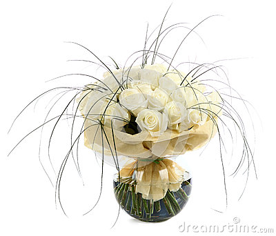 A large bouquet of white roses. A huge bouquet of cream roses. Izobrazhenin isolated on a white background.