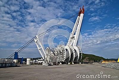 Large cable reels & huge crane