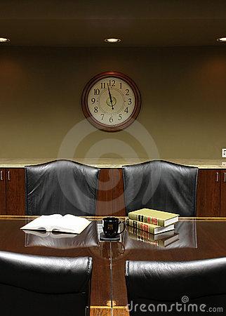 Free Large Clock At Lunchtime Break In The Board Room Royalty Free Stock Images - 1332139