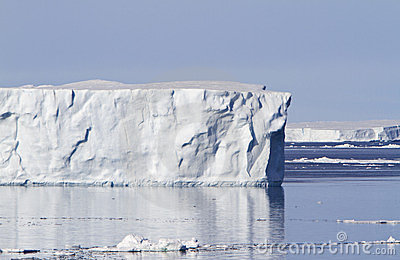 Large iceberg in Antacrtic Sound