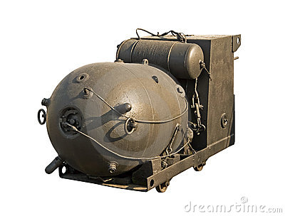 Large naval mine