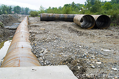 Large pipeline construction