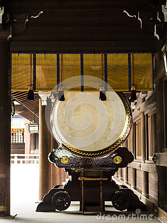 Large taiko drum
