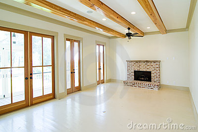 Large unfurnished livingroom