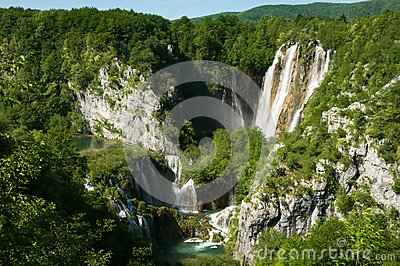 A large waterfall and Sastavci