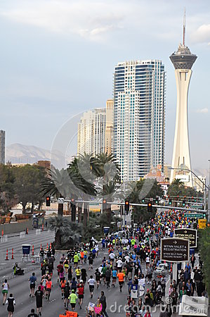 Free Las Vegas Rock  N  Roll Marathon Royalty Free Stock Photo - 34223455