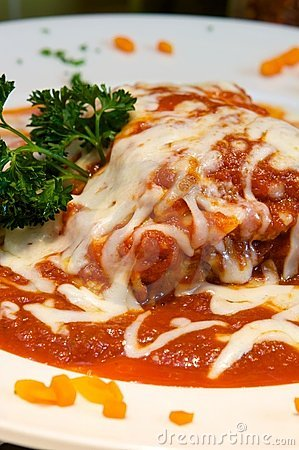 Free Lasagna Covered In Sauce And Cheese Royalty Free Stock Photos - 6291548