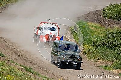 Lastwagen in Konkurrenz