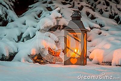 laterne im schnee am weihnachten stockfoto bild 47051885. Black Bedroom Furniture Sets. Home Design Ideas