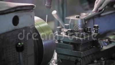 Lathe o equipamento nas estruturas e nas máquinas do metal da fabricação da fábrica filme