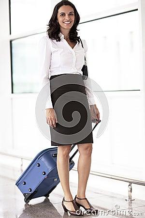Latin businesswoman travelling