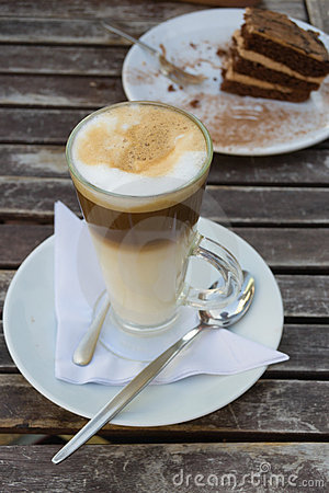 Latte with cake