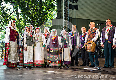 Women Dancing Latvian 42