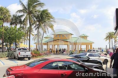 Oceano tormentoso, Lauderdale pelo mar, Florida Imagem Editorial