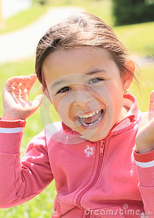 Free Laughing Little Girl Royalty Free Stock Photos - 32826258