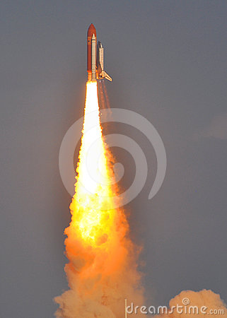 Free LAUNCH Of The SPACE SHUTTLE DISCOVERY -LAST FLIGHT Royalty Free Stock Photo - 24370685