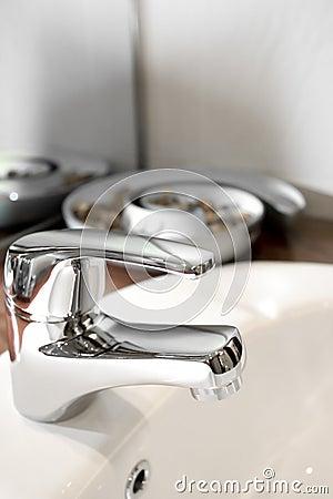 Robinet de lavabo avec l ornement