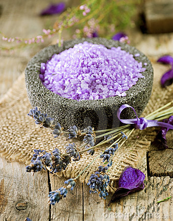 Free Lavender Spa Treatment Royalty Free Stock Images - 16123469