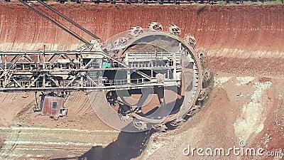 Lavoro della benna da scavo con effetto morphing stock footage