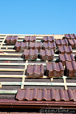 Laying tiles on roof