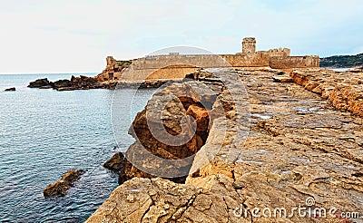 Le castella castle