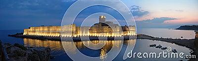 Le Castella by night