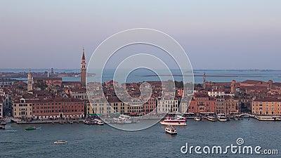 Le cr?puscule de septembre au-dessus de Venise l'Italie banque de vidéos