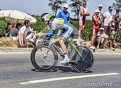 Le cycliste Simon Clarke Photo éditorial