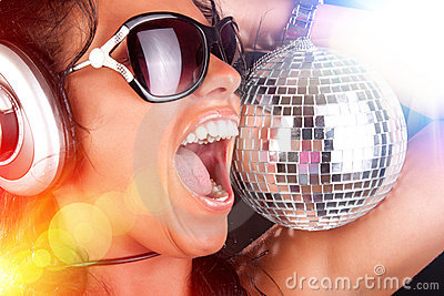 Le DJ et la sphère sexy