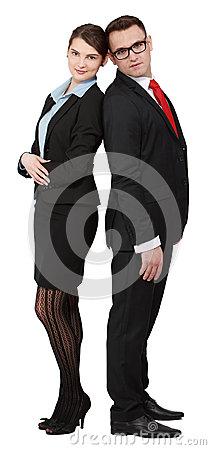 Le giovani coppie di affari appoggiano sopra indietro