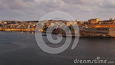 Le Grand Port De Malte Panning À Dusk clips vidéos