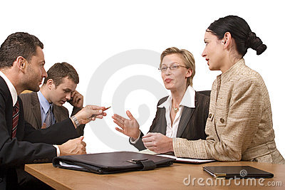 Le groupe de gens d affaires, négocient au bureau
