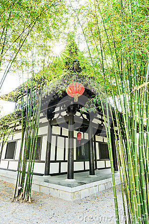 le jardin et la maison en bambou chinois photo stock image 51192923. Black Bedroom Furniture Sets. Home Design Ideas