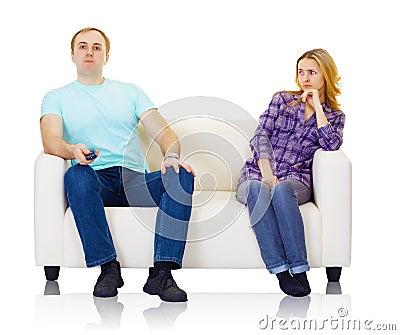 Le mari et l épouse ne trouvent pas la compréhension mutuelle
