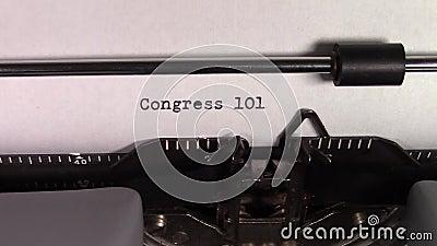 Le parole 'Congresso 101' digitate su una macchina da scrivere archivi video