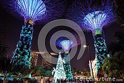Les Incroyables Jardins Artificiels De Singapour Youtube