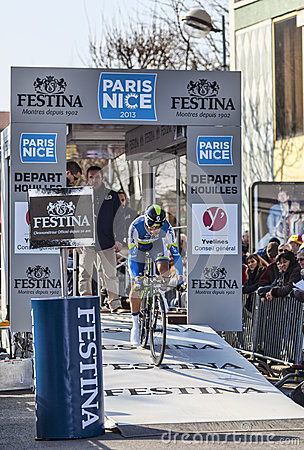 Le prologue 2013 de Cylist Stijn Vandenbergh- Paris Nice dans Houill Image éditorial