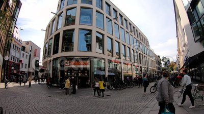 Le quartier commerçant du centre-ville d'Osnabrueck, Allemagne, Basse-Saxe clips vidéos
