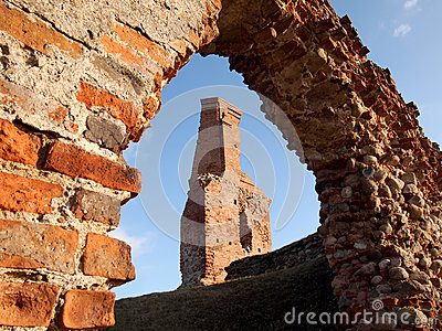 Le rovine di vecchio castello