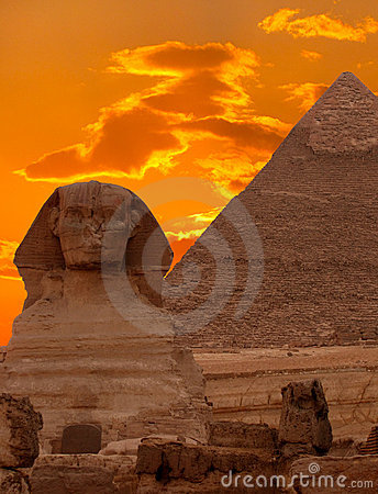 Le sphinx et la pyramide grande