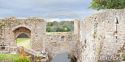 Leeds castle walls