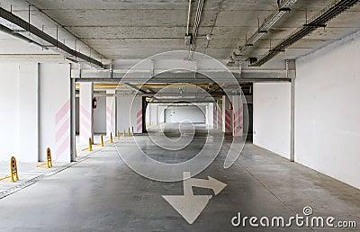 Leeg ondergronds parkeren