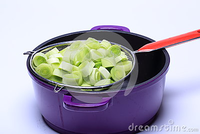 Leeksnittet, ordnar till för att laga mat