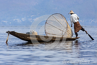 Leg Rowing Fisherman - Inle Lake - Myanmar (Burma) Editorial Stock Image