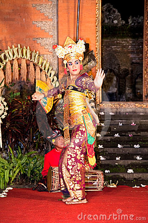 Legong Dance & Ramayana by the Bina Remaja Troupe Editorial Stock Image