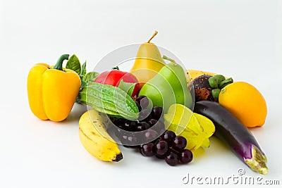 Legumes frescos e frutos coloridos